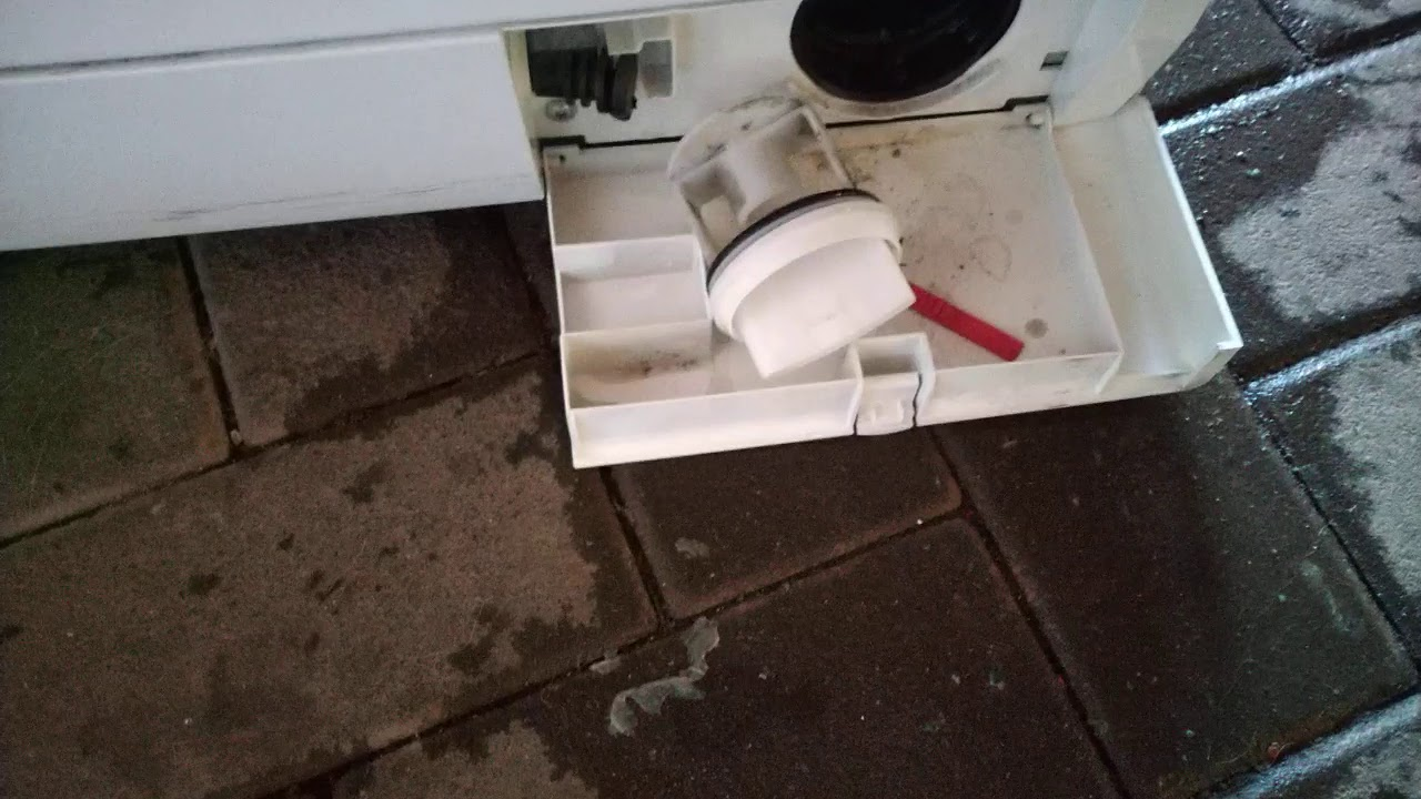 Чистка фильтра помпы стиральной машины Siemens.