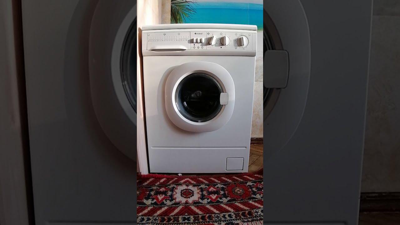 Итальянская стиральная машина Indesit WDN 2296XW U